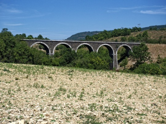Aqueduct on the way to Le Puy