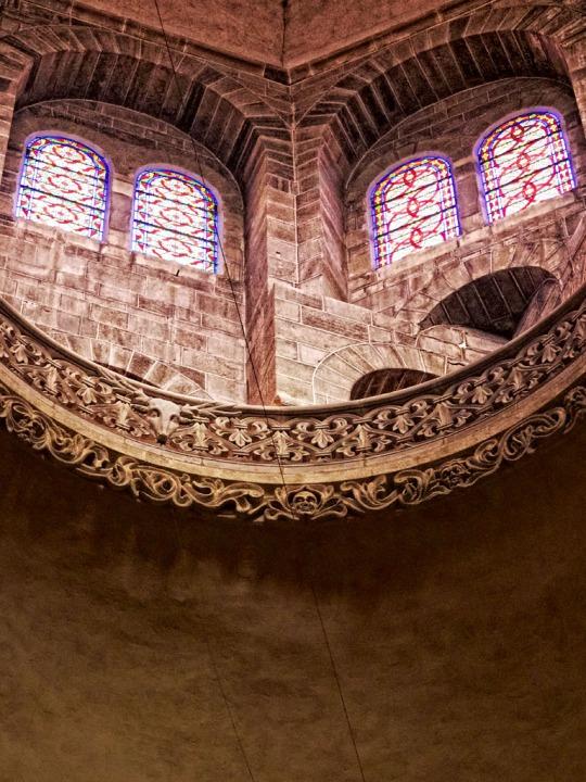 Le Puy Cathedral (Cathédrale Notre-Dame du Puy) Interior