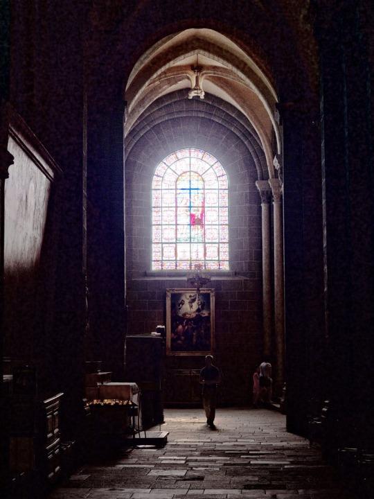 Peaceful scene, Le Puy Cathedral (Cathédrale Notre-Dame du Puy)