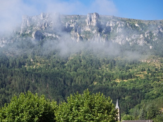Mountain coming out of the mist, Florac