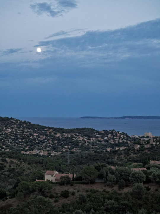 Almost a full moon (97.2%) on my last night in France